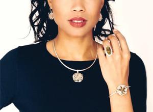 Dune Jewelry_model 1