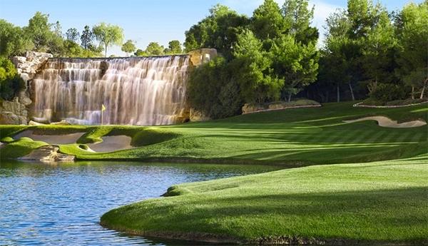 Wynn Golf Course in Las Vegas Closes